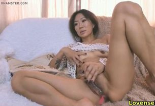 Mature japanese girl having joy on cam