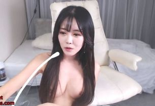 Chinese tiny little camgirl voluptuous..